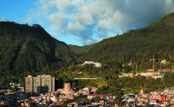 Ciudad de Bogotá, vista hacia los cerros
