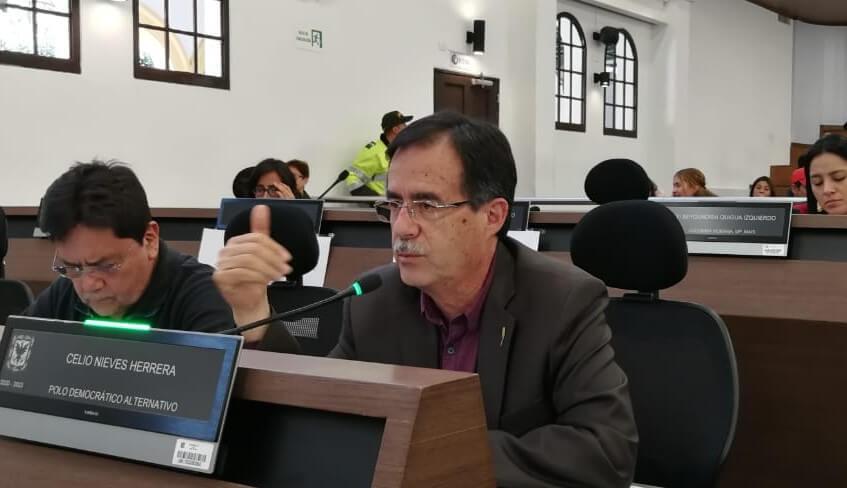 Concejal Celio Nieves dentro del concejo de Bogotá