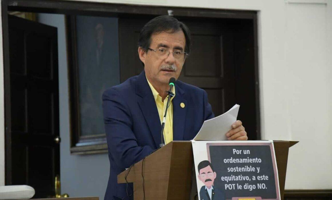 Concejal Celio hablando del POT