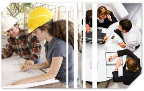 ingenieros civiles y de sistemas trabajando