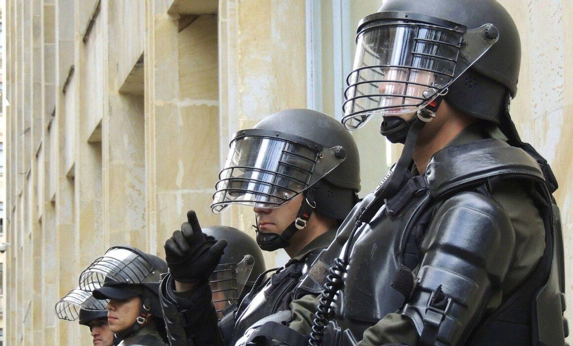 Escuadrones Móviles Antidisturbios ESMAD