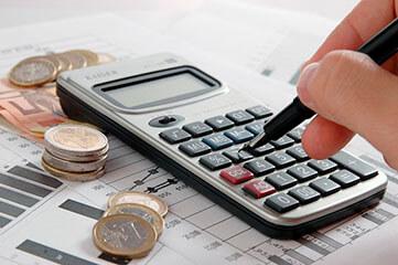 calculadora y monedas